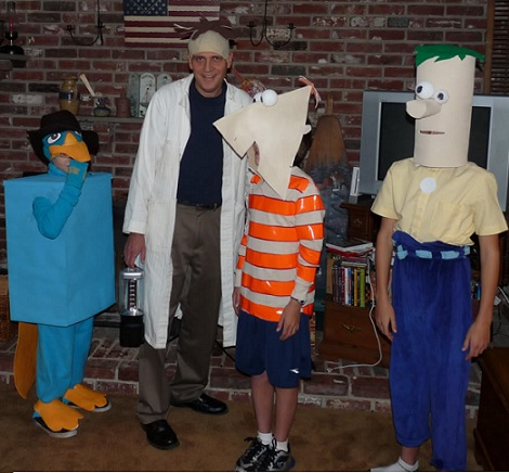 phineas-ferb-perry-casero-cajas