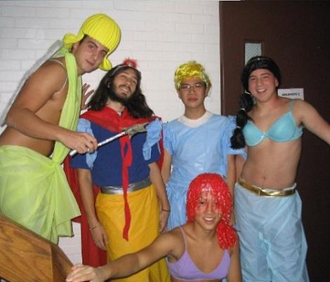 los-mejores-disfraces-en-grupo-princesas-disney